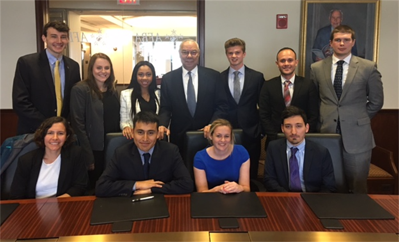 Spring Semester in Washington, D.C. Program participants meet with officials in Washington.