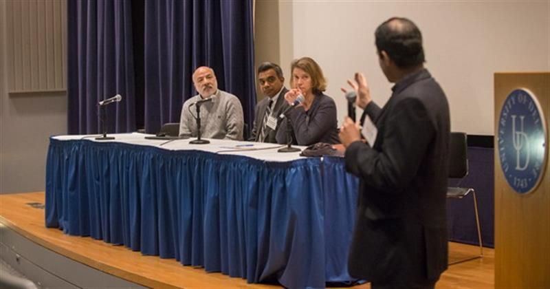 Panelists weigh in at the Smart Cities & Sustainable Energy Symposium